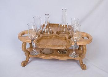 Винница из дерева на 4 бокала и 2 бутылки