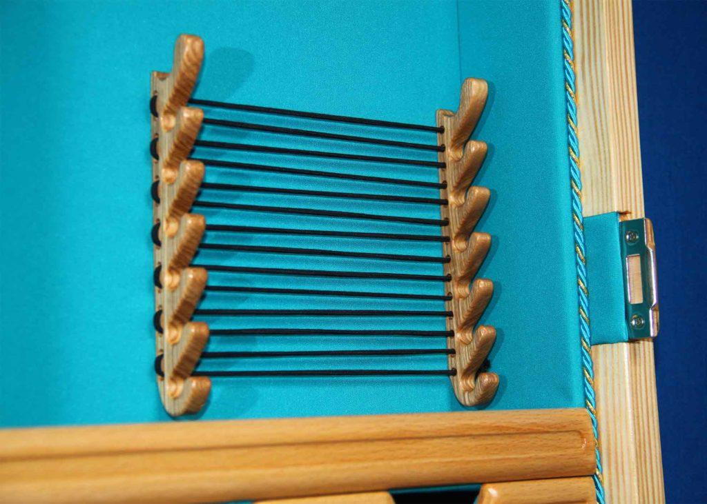 КБ Рукоделки: подарки из дерева, изделия из дерева на заказ Настенный шкаф для украшений «Византия» с тканевой отделкой внутренних поверхностей