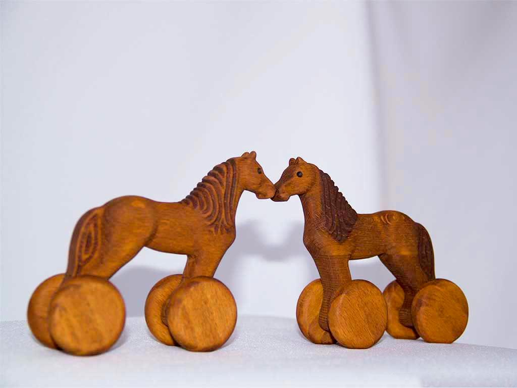 КБ Рукоделки: подарки из дерева, изделия из дерева на заказ Деревянная игрушка «Лошадка-каталка»