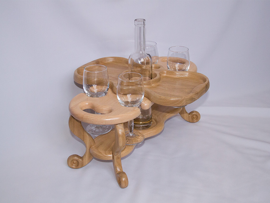 КБ Рукоделки: подарки и изделия из дерева на заказ Винный столик на четыре бокала и одну бутылку с увеличенной тарелкой-подносом